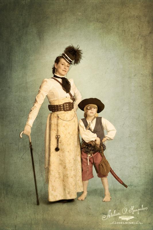 Magdalena Hai & Otto Punainen - Atelieri O. Haapala 2011